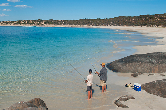 Large_photo_fishing_on_Yorke_Peninsula_beach
