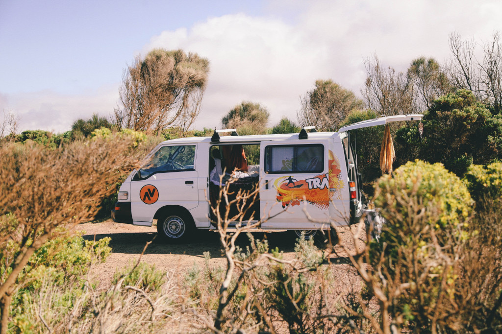 Campervans Vs. Flying: What's the best way to travel around Australia?